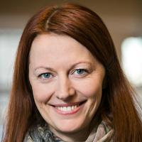 Portrett af Önnu Helgu Jónsdóttur, dósent við Raunvísindadeild á Verkfræði- og náttúruvísindasviði Háskóla Íslands